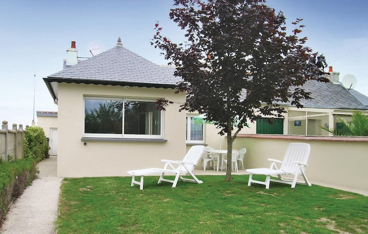 Nice home in Trévou Treguignec with WiFi and 3 Bedrooms