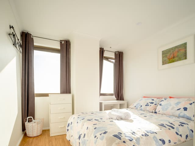 Secondary Bedroom, Double Size Bed Reverse Cycle Aircon, Study Desk