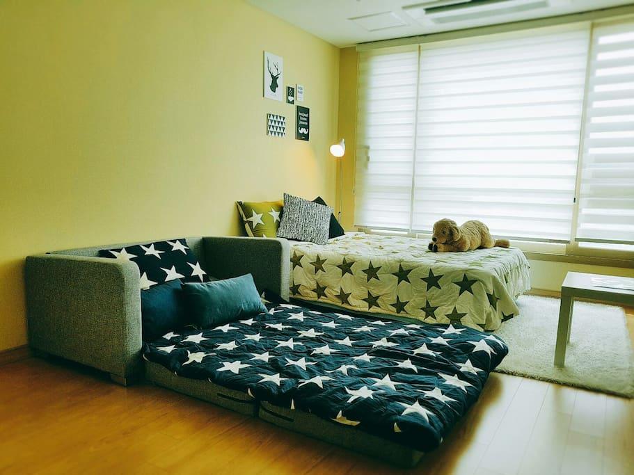 침실방향 : 침대, 소파베드, 테이블