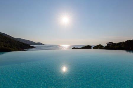 Maison Méditerranéene en Corse du Sud - Calcatoggio - วิลล่า