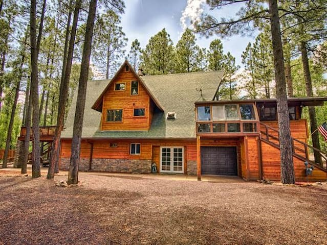 Stefano's Pinetop Retreat Sleeps 18