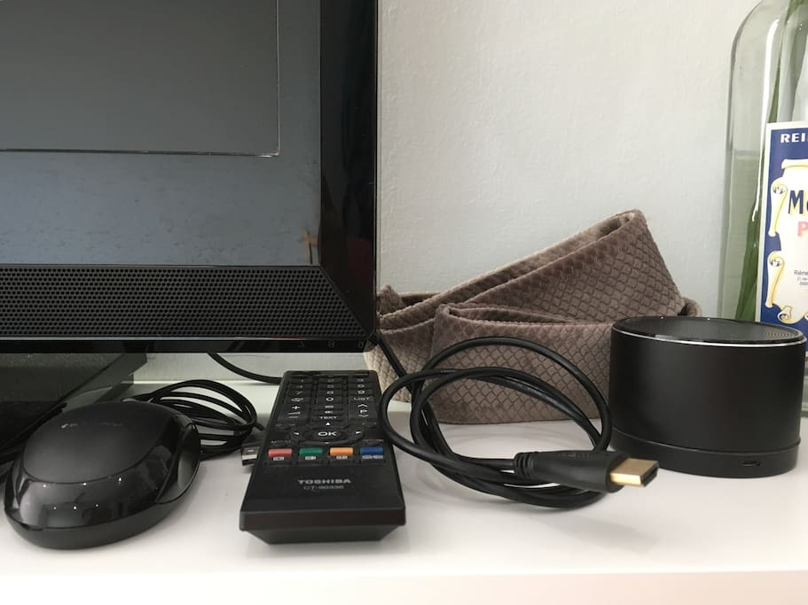 Hdmi cable , mouse , bluetooth speaker , LCD TV