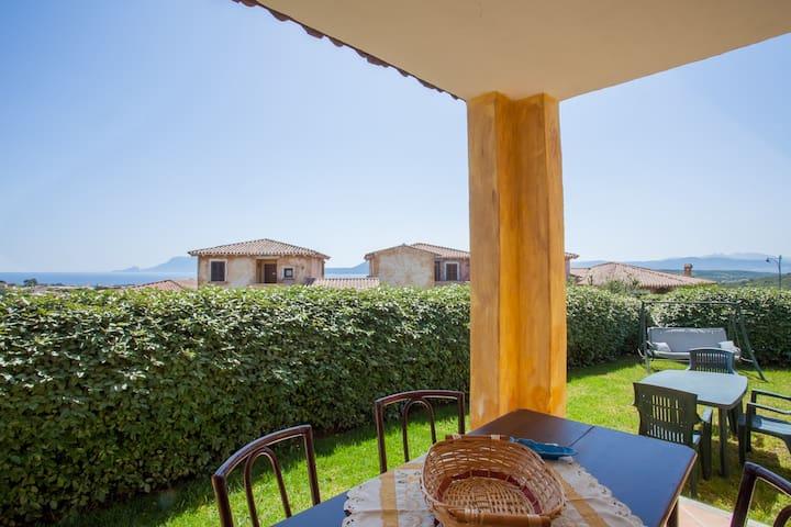 Belvedere Suite G: wifi,garden,sharedpool Pittulon