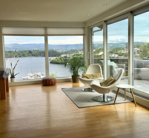 A modern house with a view. 13min to Bergen-city.