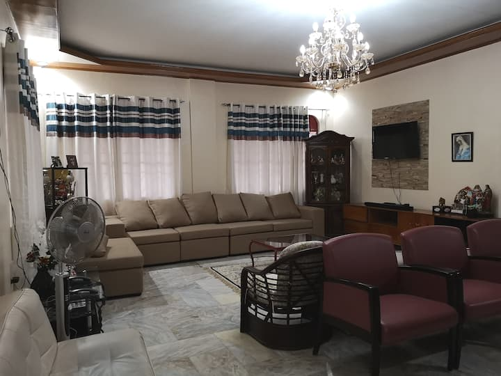 Entire House for Family/Big Groups (3 bedrooms)