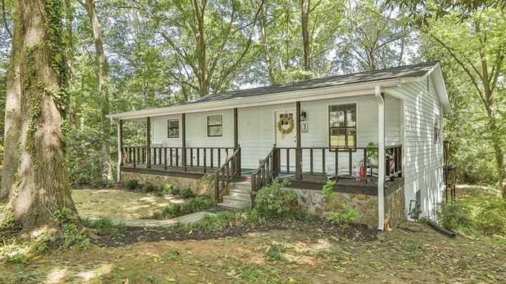 3 Linden,  2 Masters, Cleaning Fee Included!