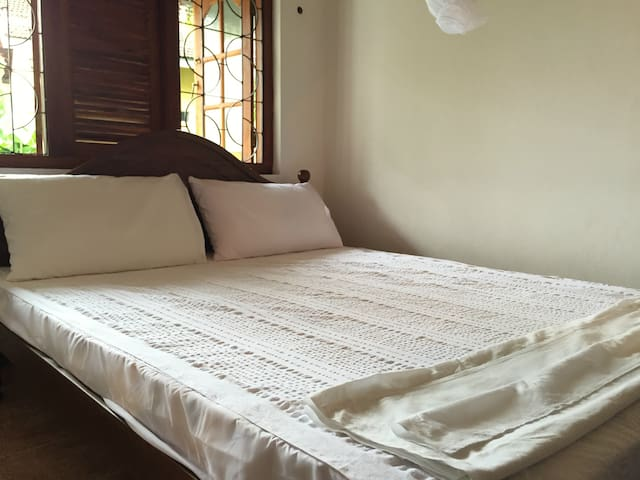 Silvas Sea N Surf Room (4) - Weligama - Apartment