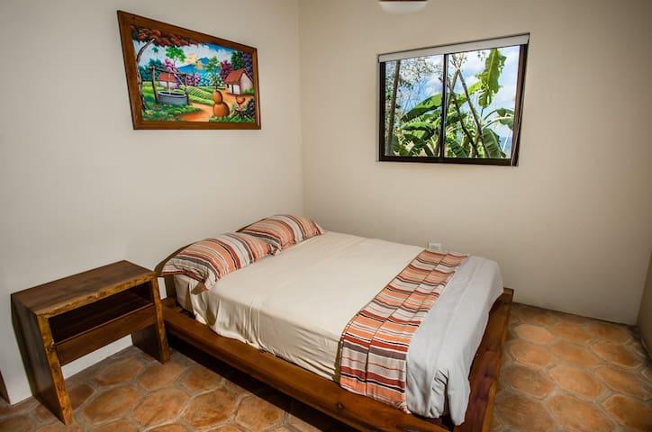 Bedroom Cinco