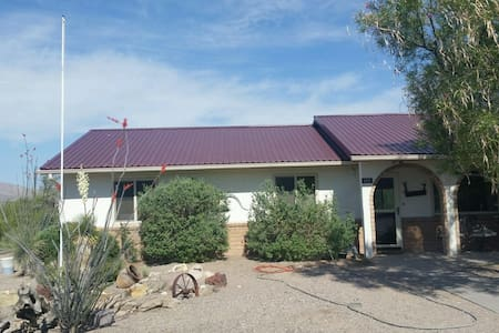 3BD 2BA on golf course, close to lake