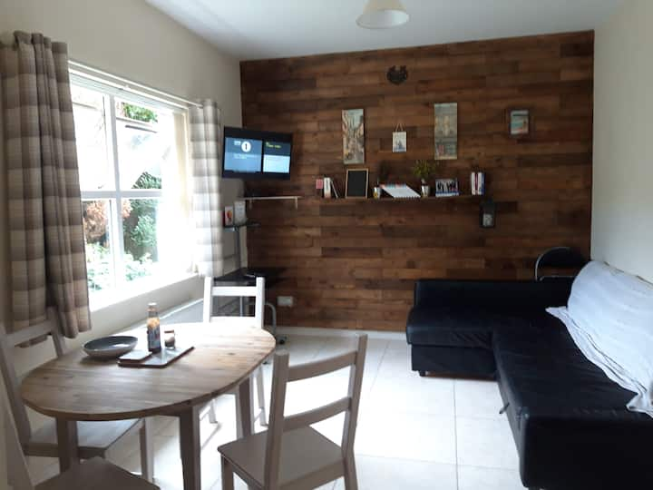 Lovely Ballycastle apt two mins from town centre