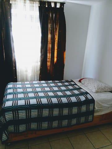 Cómoda habitación a una calle de Reforma