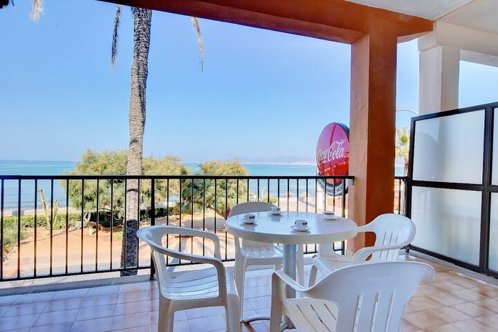 4-Bedroom Arenal 1 Duplex with AC, PRIVATE TERRACE and SEA VIEWS