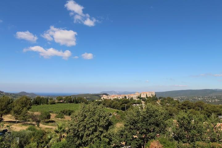 Villa neuve au Castellet avec piscine. Superbe vue