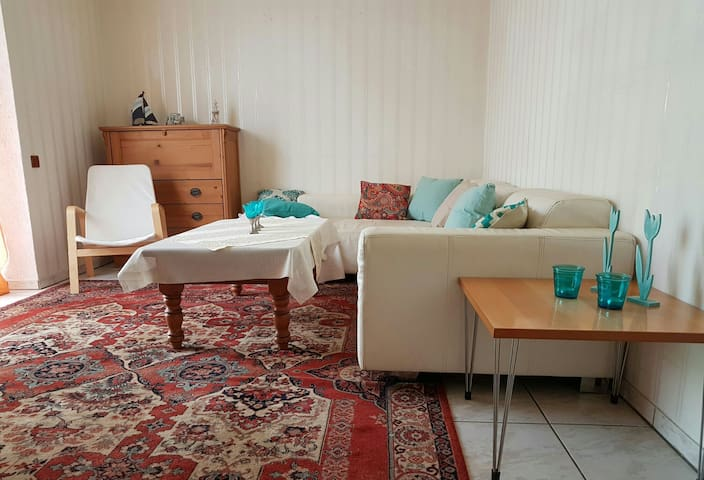 Gemütliche Wohnung 2 Schlafzimmer - Brüggen - Appartement