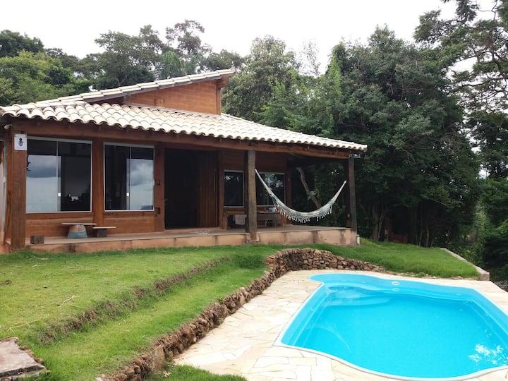 Cabana rústica e aconchegante - vista privilegiada