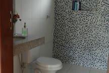 Banheiro social.