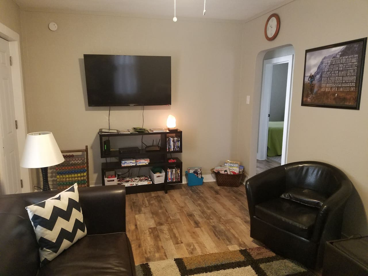 Living Room with smart TV, Blu Ray & WiFi,  (with Netflix, cable TV and local channels included)