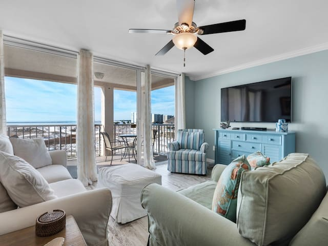 Comfortable bay view unit, Beach setup & bicycles included, Near dining