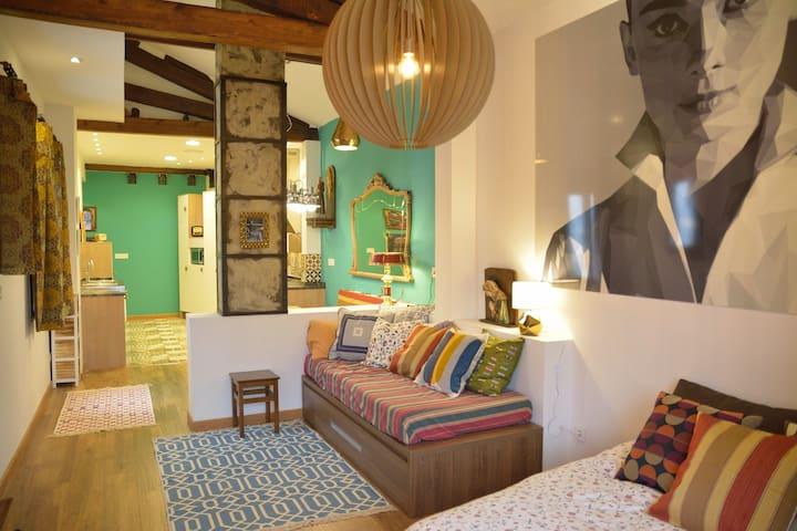 """Apartamento """"Casa del Mercado"""" en Casco Viejo - Zaragoza - Departamento"""