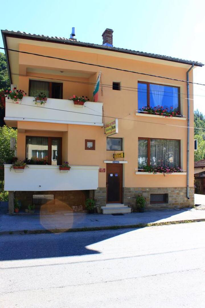 Luxury house with 6 rooms just 10 min walk to Etar