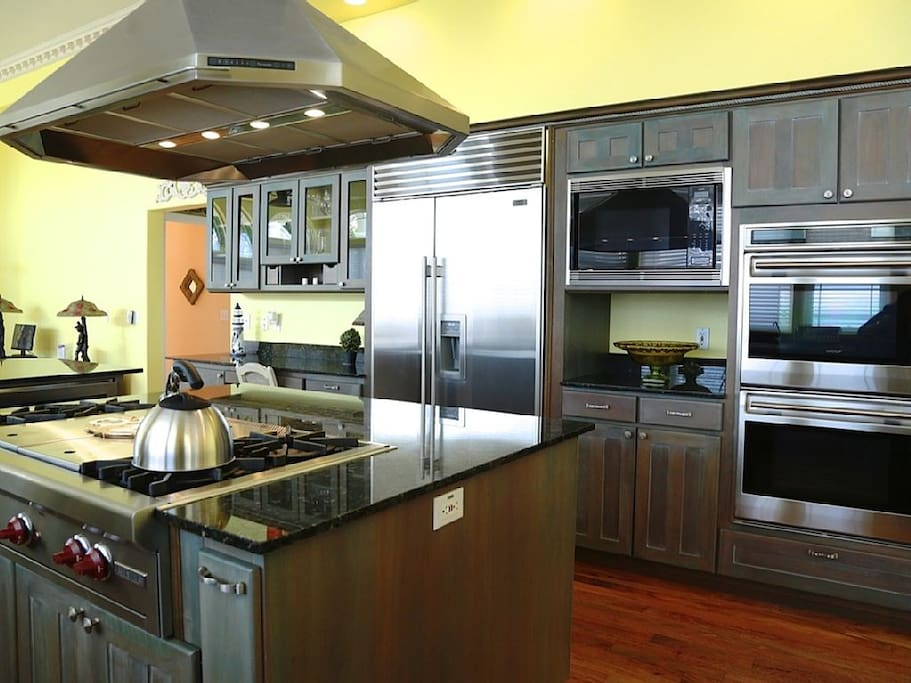 Gourmet Kitchen with Wolf stove and ovens