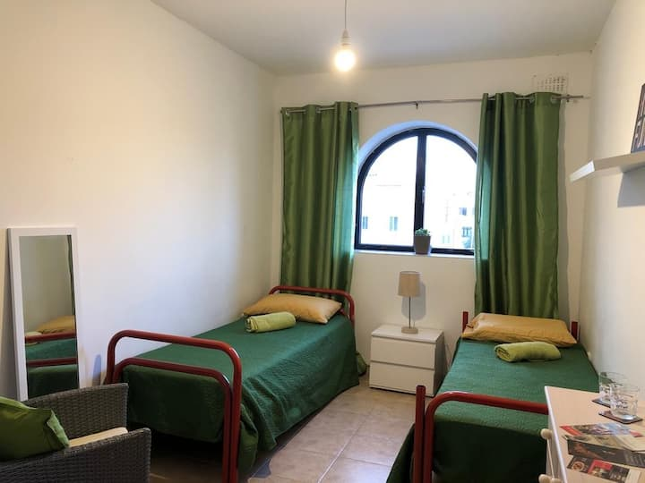 Modern  Twin Room  near Mdina /Rabat