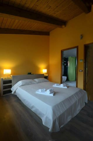 Wonderful double room - Francolino - Pousada