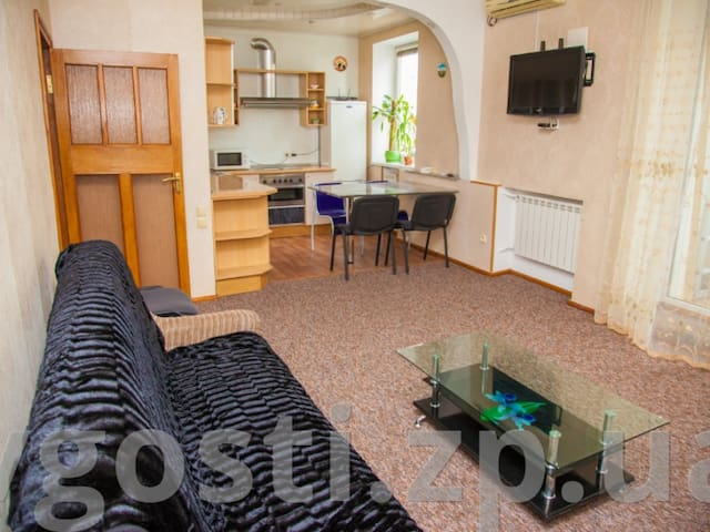 3 rooms Аpartment on Sobrny avenue 179. Centre
