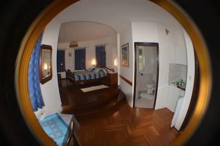 Blue Round Studio - Lopud - Apartamento