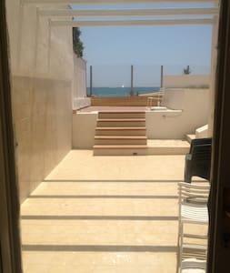 villa sulla spiaggia con campo da tennis - Caucana-finaiti-casuzze-finaiti Nord - 獨棟