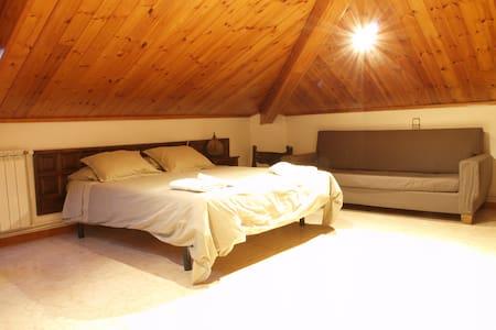 Habitació Triple amb bany compartit - Vilaller