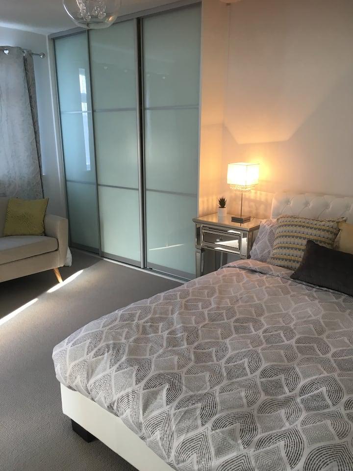 Luxury suite in the heart of Donnybrook!!