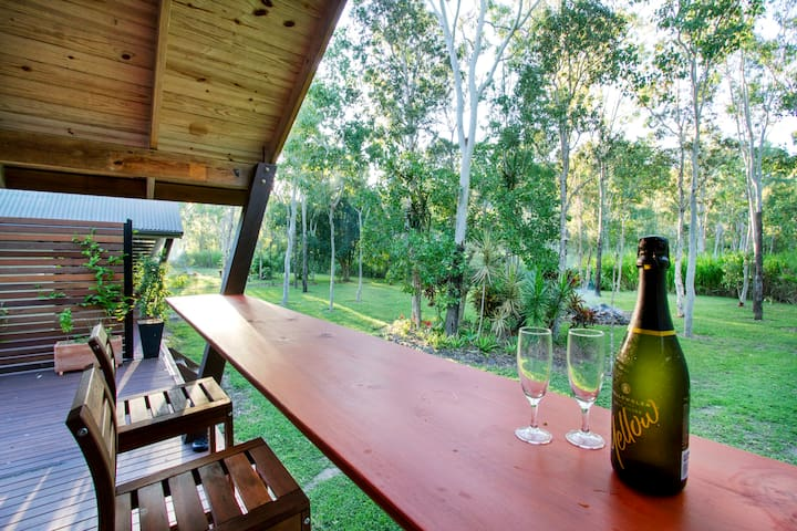 AIRLIE BEACH ECO CABINS - nestled in nature. - Woodwark - Wohnung