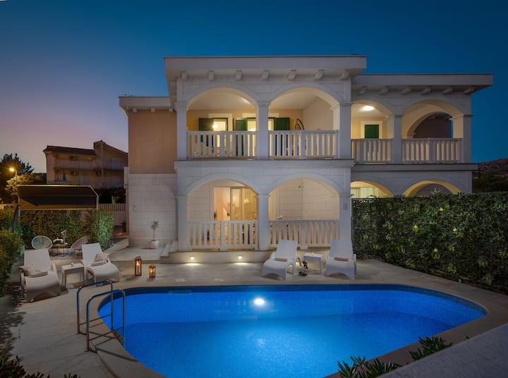Villa Authentica ****