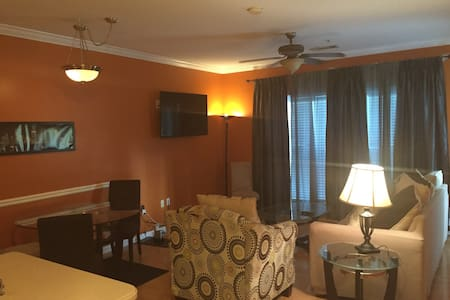 Deluxe Condo in Dunwoody 15 mins from Downtown ATL - Társasház