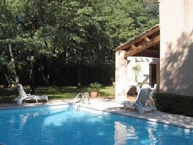 Quiet Villa near to Aix-en-Provence