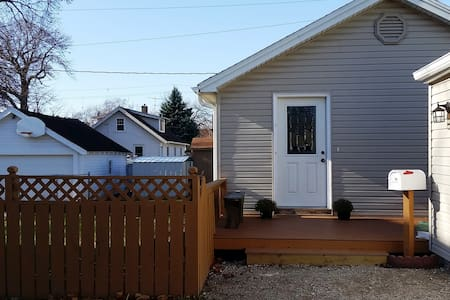 Cozy and Newly Remodeled 2BR Home - Des Moines - House