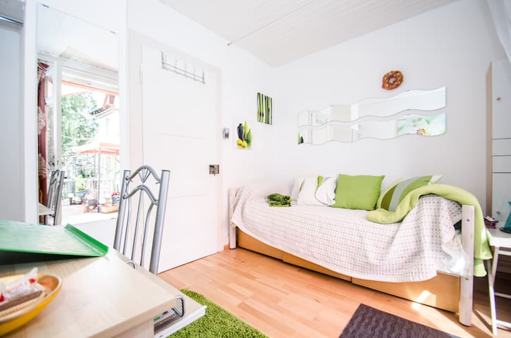 Green Terrace, Sunny Single Room