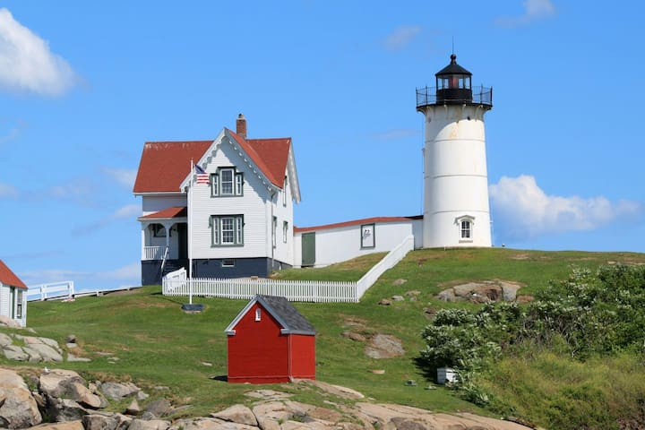 Nubble lighthouse is only 20 minutes away