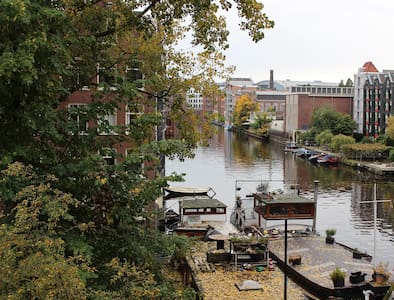 Central & Charming with Canal View - Amsterdam - Appartement