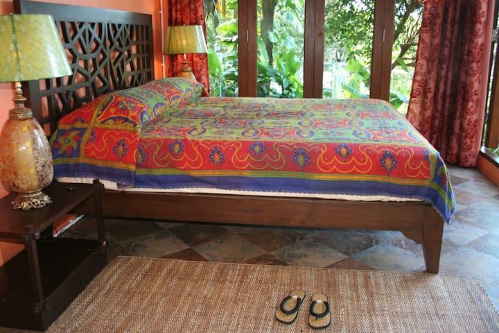 Exotic  rooms  near Khoa Yai