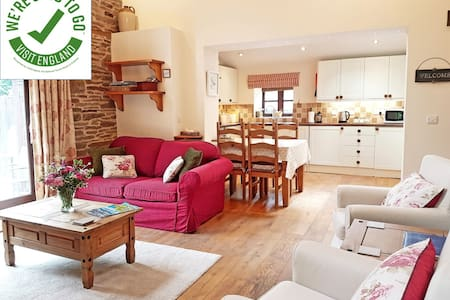 River Cottage at Cwm Mill - rural family getaway