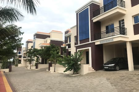 HOME STAY WAI 1 BHK Holiday Home in Gated Society