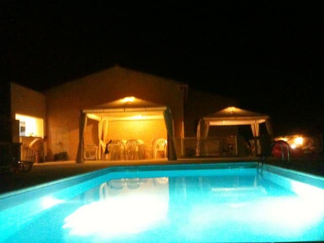 Jolie villa plein pie d,  piscine - Bastelicaccia - Dům
