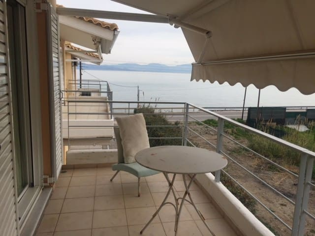 **** Villa Smaro, superbe maison face à la mer ***