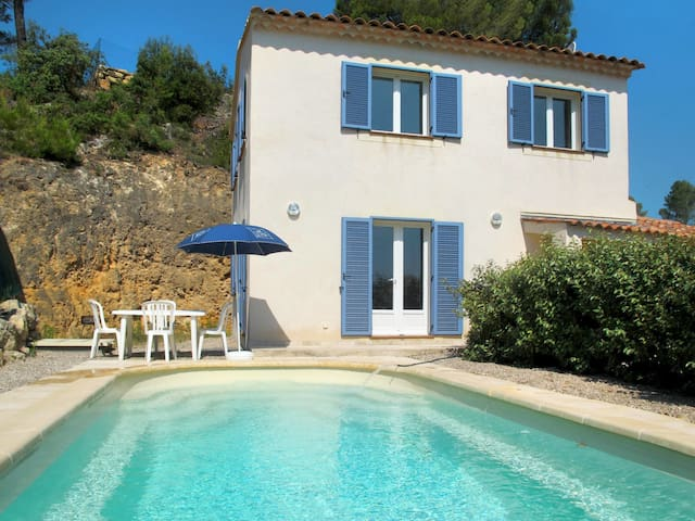 Holiday house for 6 persons in Sillans-la-Cascade