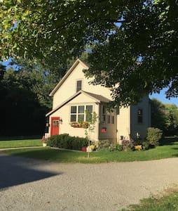 Farm House Single Room Retreat - Grand Haven