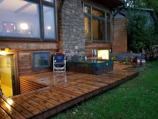 Hottub deck (hot tub is 104 degrees yearround)