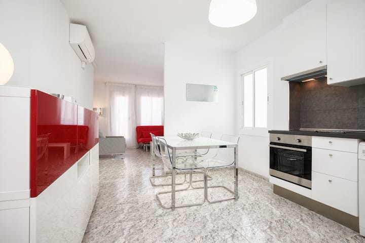 Penthouse with 2 Gorgeous Terrace next to Camp Nou