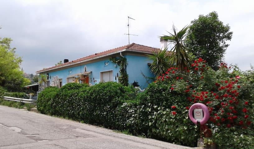 Casa Stravacanza tra le colline teramane